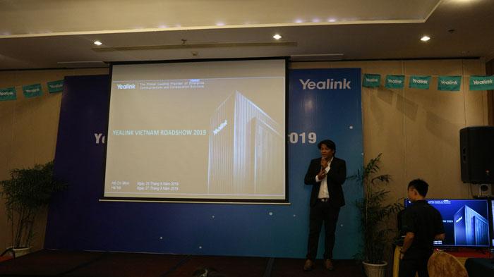 Đại diện từ Yealink Vietnam trình bày các sản phẩm IP Phone