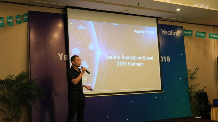 Tank Lee đại diện từ hãng Yealink