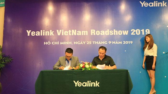 Lễ ký kết nhà phân phối hội nghị truyền hình giữa Du Hưng và Yealink